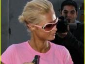 Paris Hilton gebruind